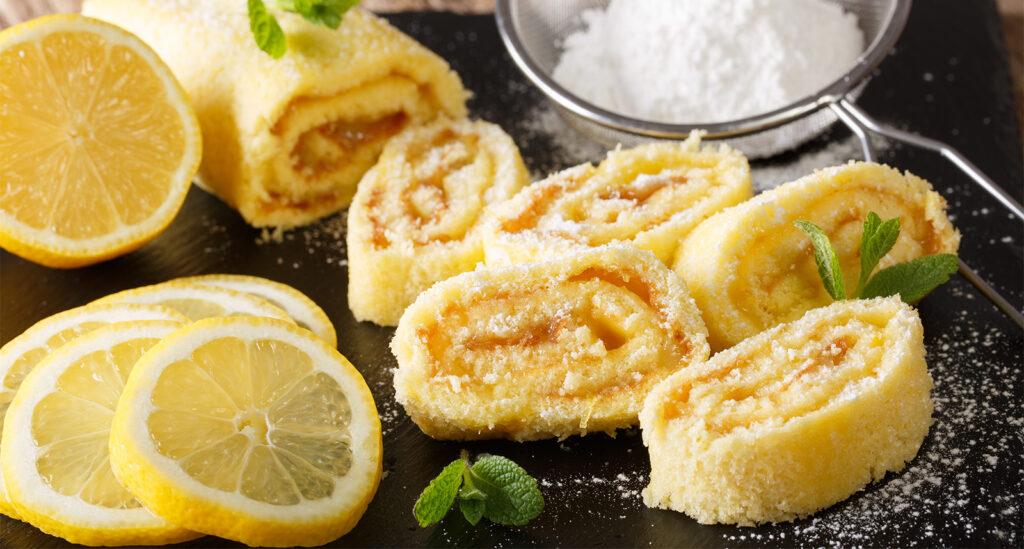 Il rotolo al limone senza panna e latte, un dolce fresco e leggero con sole 80 calorie!