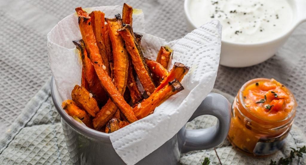 Stick di carote al forno, più buone e croccanti delle patatine fritte. Solo 180 calorie!