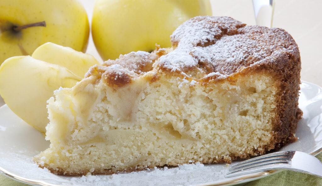 La torta di mele all'acqua come non l'avete mai provata. Solo 150 calorie!