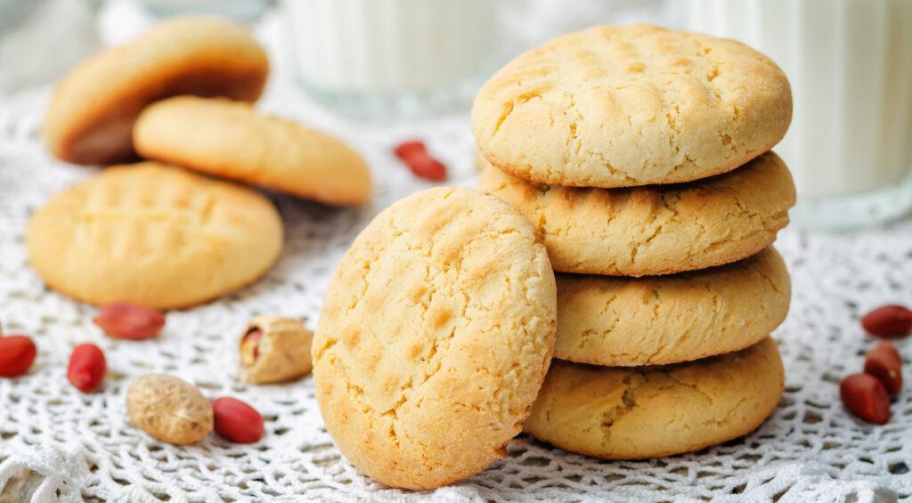 I biscotti senza burro e uova da pucciare nel latte a colazione. Solo 60 calorie!