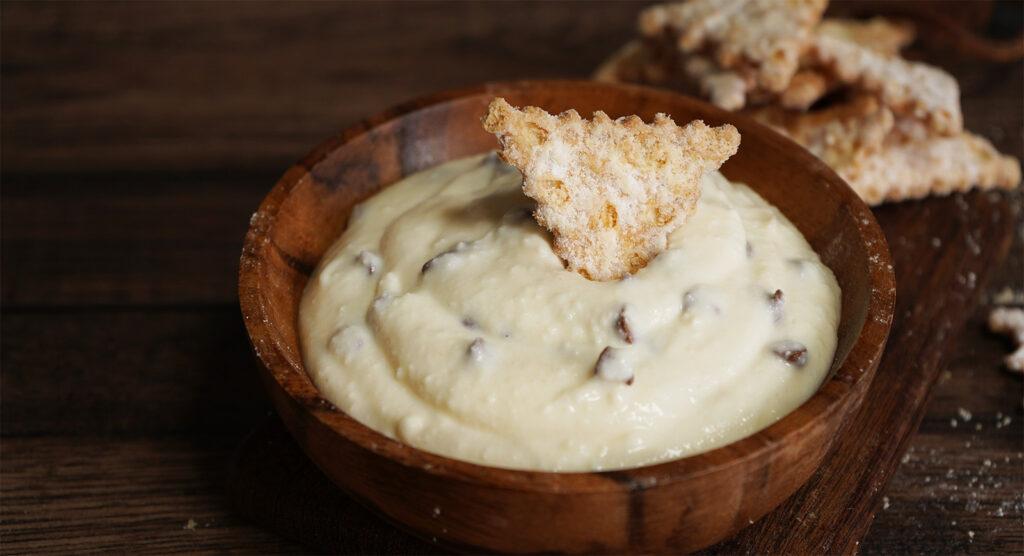 La crema di ricotta leggera come quella della Sicilia per farcire torte e cannoli. Solo 95 calorie!