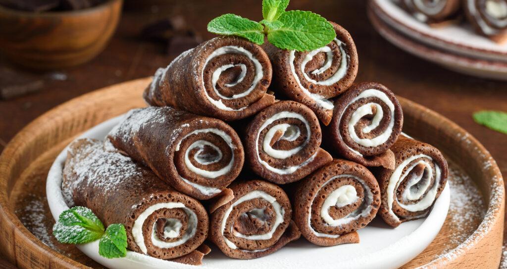 Rotolini di crepes al cioccolato, un dolce gustoso e leggero con sole 130 calorie!