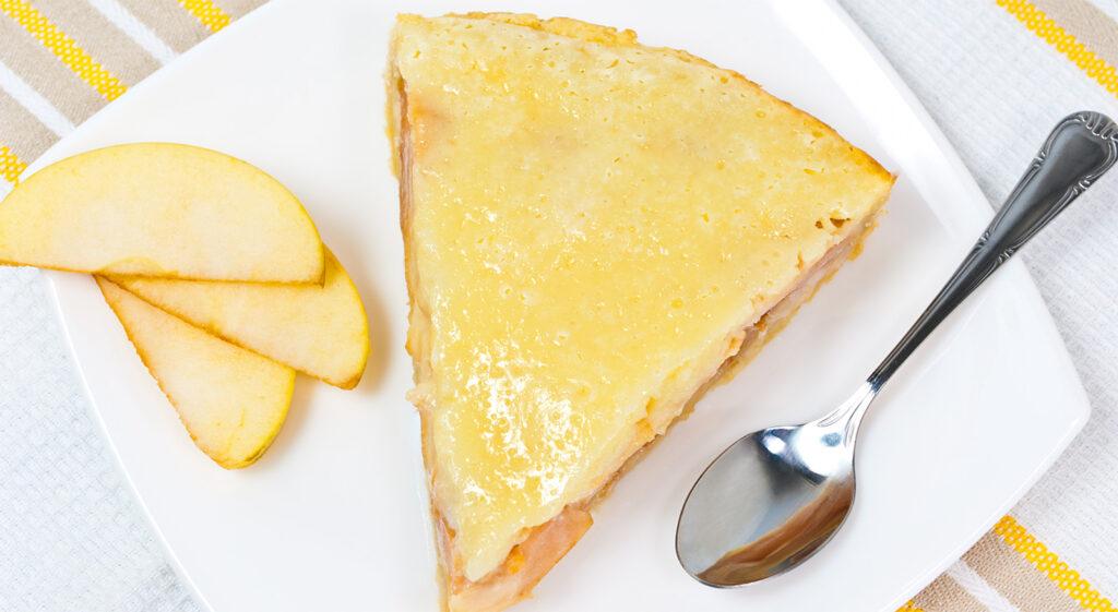 La torta di mele al cucchiaio, la ricetta super cremosa e dietetica con sole 150 calorie!