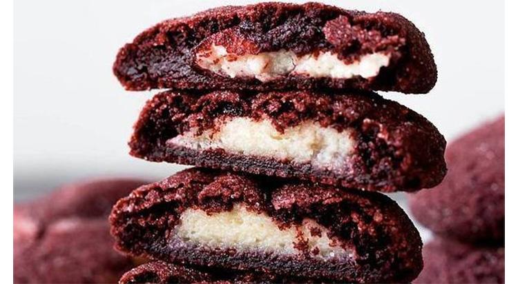 Biscotti tenerelli al cacao, così irresistibili da mangiarne uno dopo l'altro. Solo 100 calorie!