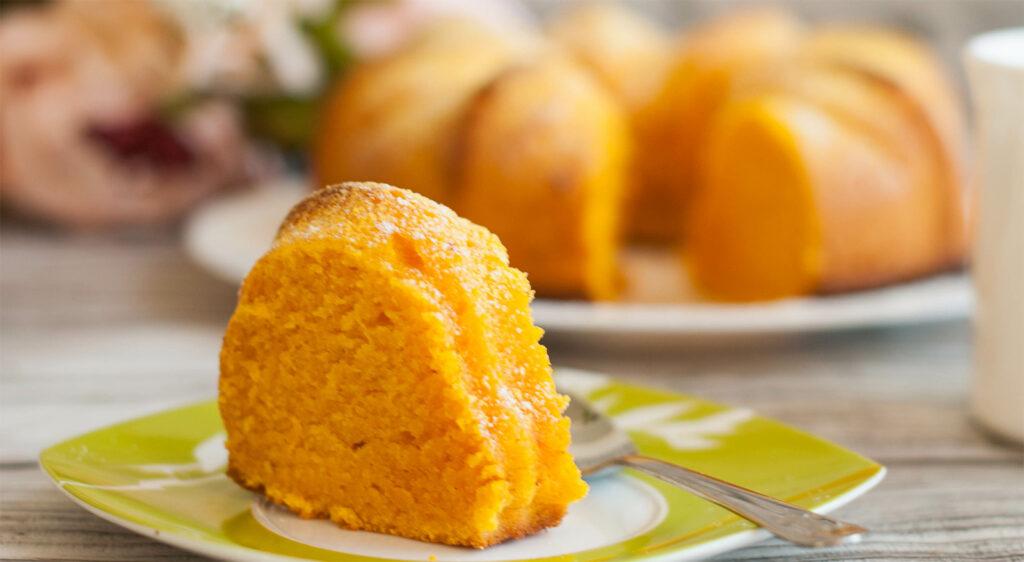 Chiffon cake all'arancia senza burro e latte, una squisitezza senza sensi di colpa. Solo 120 calorie!