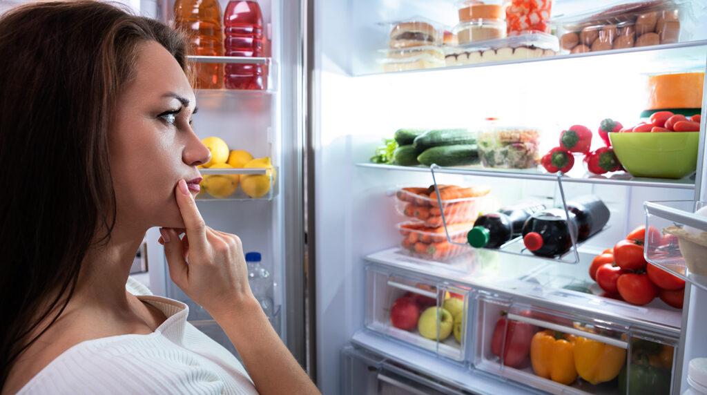 Il trucco per consumare meno calorie al giorno per dimagrire senza fare la fame!