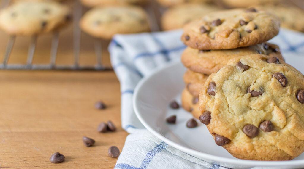 Cookies allo yogurt e gocce di cioccolato senza burro, buonissimi e golosi con sole 60 calorie!