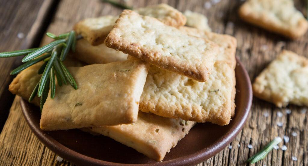 Crackers integrali per uno spuntino gustoso e per accompagnare i tuoi piatti. Solo 140 calorie!