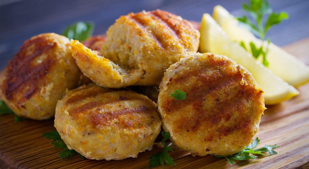 Hamburger di tonno e patate, un secondo piatto gustoso e leggero con sole 120 calorie!