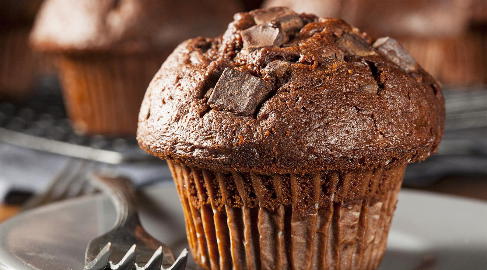 Muffin al cacao e acqua
