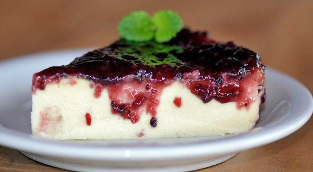 La torta allo yogurt greco senza farina, burro e uova, un dolce super dietetico di 110 calorie!