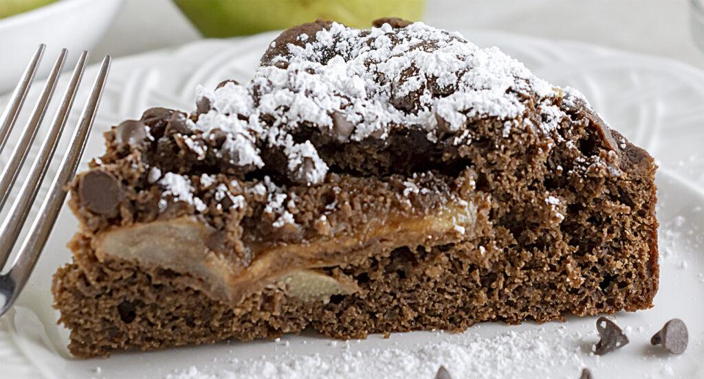 La torta di mele al cioccolato, una ricetta favolosa e leggera che vi delizierà. Solo 130 calorie!