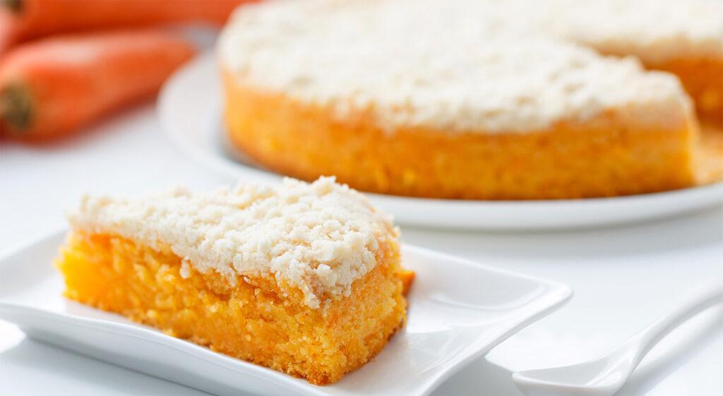 La fantastica torta di mele frullate all'arancia, una vera delizia di sole 170 calorie!