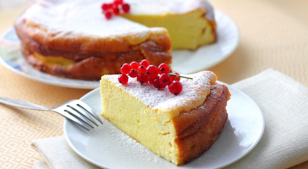 La torta di ricotta dolce senza farina, dietetica e gustosa con sole 140 calorie!