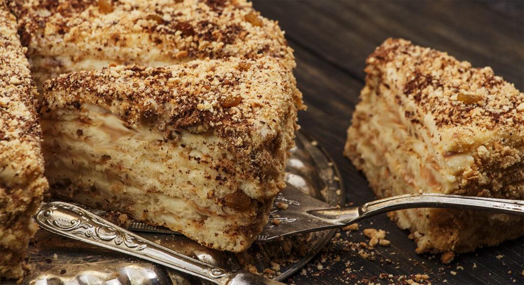 La torta di zucca e mandorle senza burro, morbidissima e squisita con sole 180 calorie!