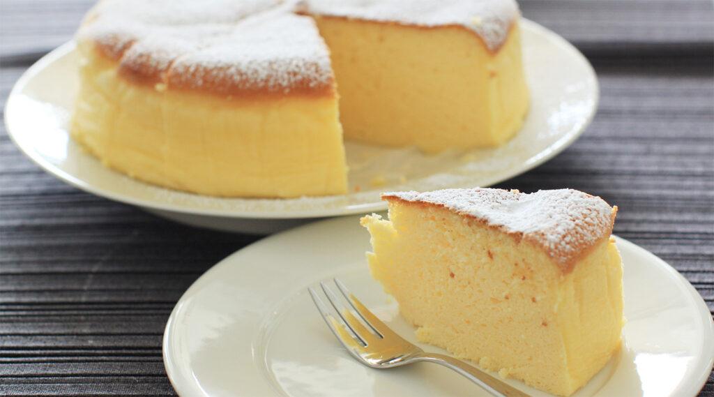 Vi basteranno solo uova e latte per preparare questa torta cremosa spettacolare, ha solo 130 calorie!