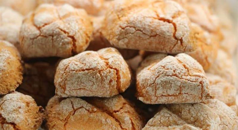 I biscotti all'arancia senza burro e latte per una merenda squisita e leggera. Solo 60 calorie!
