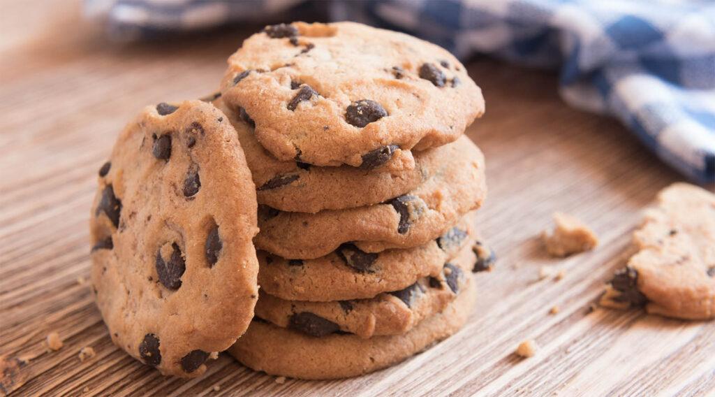Senza uova e burro, i biscotti al cioccolato più friabili e buoni con sole 60 calorie!