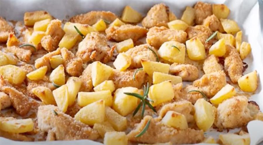 Bocconcini di pollo e patate al forno, come farli perfetti senza condimento. Solo 400 calorie!