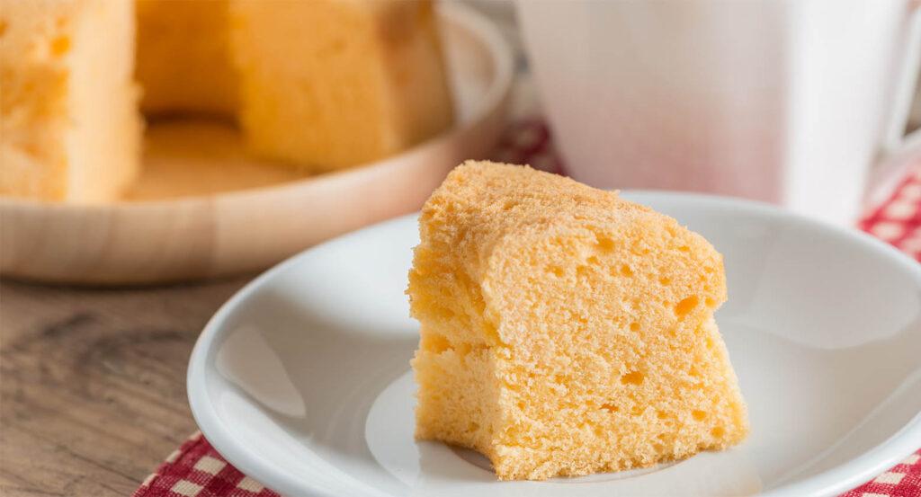La Chiffon cake all'arancia, un dolce sofficissimo che vi stupirà. Ha solo 180 calorie!