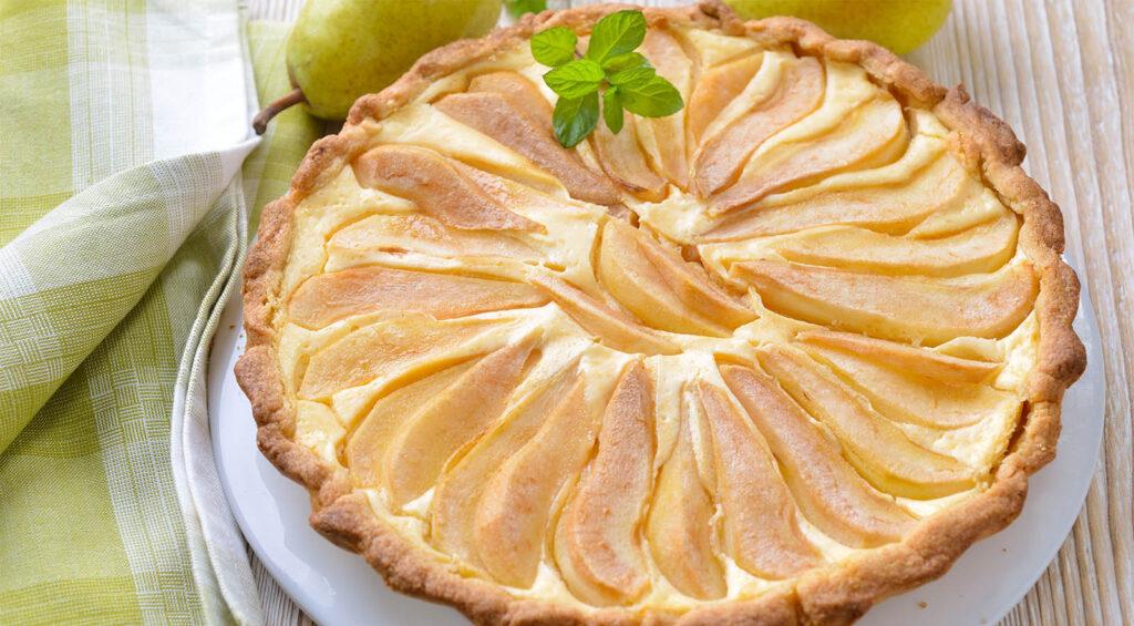 La crostata di pere cremosissima, una delizia per il palato. Ha solo 190 calorie!