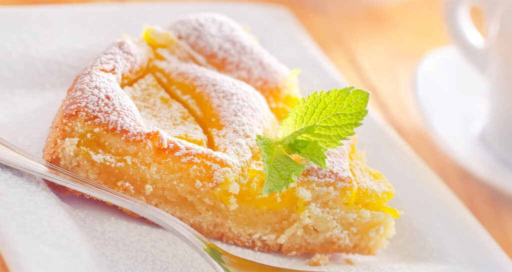 Senza burro e latte, la torta al mandarino light sofficissima che devi provare. Solo 170 calorie!
