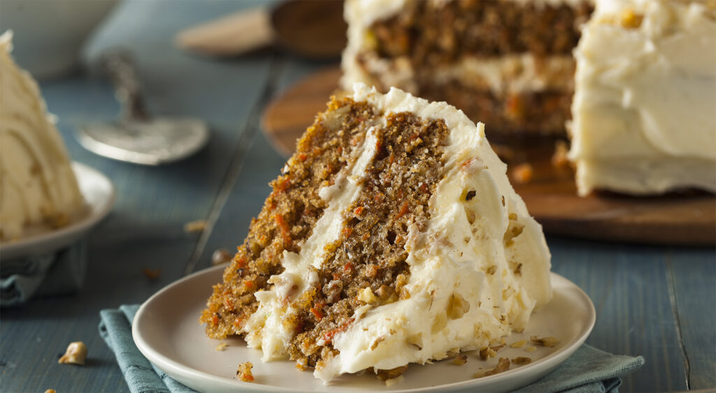 4 carote e una tazza di arancia, la torta vegana che delizierà tutti. Ha solo 190 calorie!