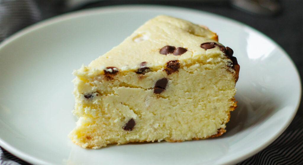 La torta della nonna di ricotta e cioccolato, una merenda gustosa e ipocalorica. Solo 180 calorie!