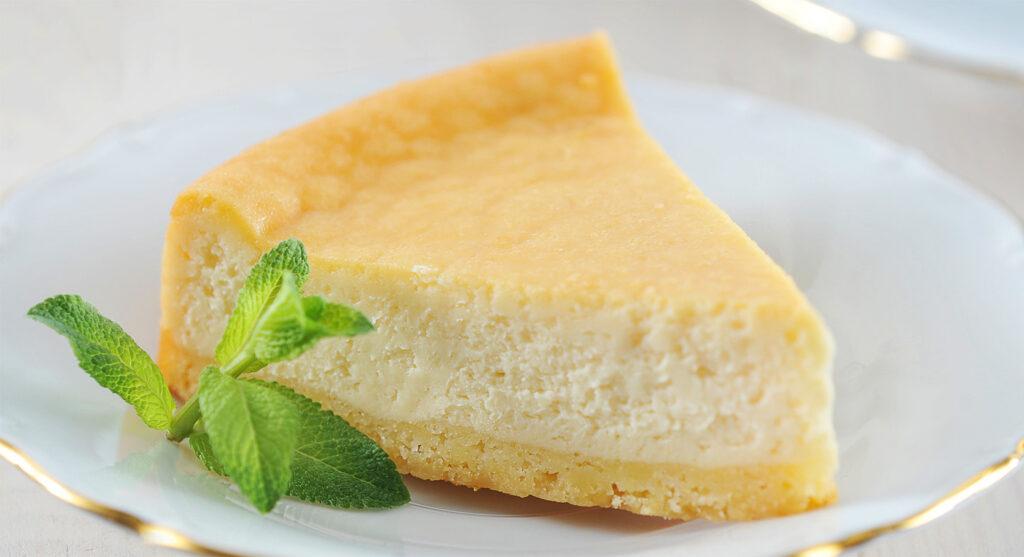 La torta di ricotta senza farina, un dolce gustoso che tutti ameranno. Ha solo 180 calorie!