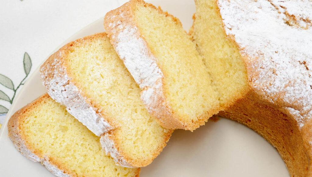 La torta solo acqua sofficissima da inzuppare nel latte, buona e con sole 130 calorie!