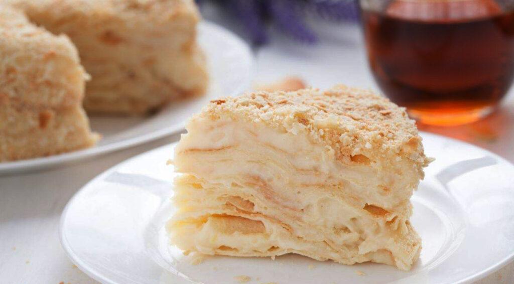 Torta millefoglie light con panna e crema pasticcera, un dolce golosissimo con sole 190 calorie!