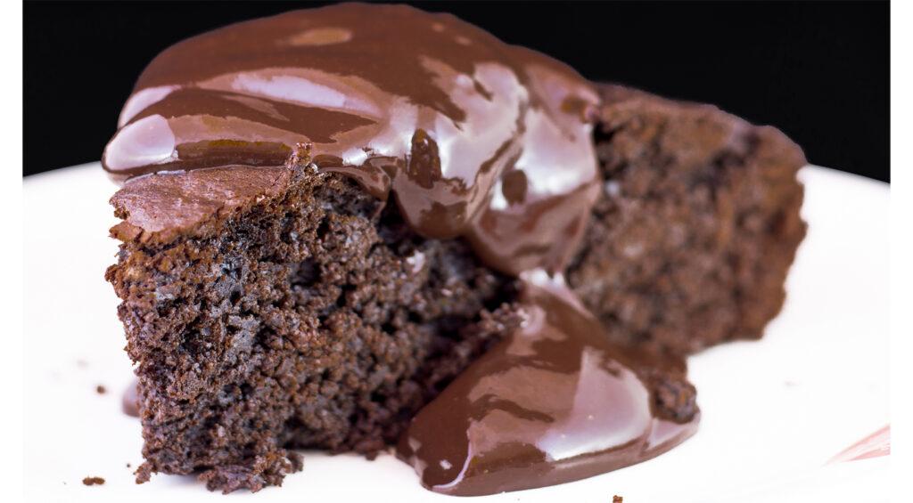 La torta al cioccolato del 700 senza uova, perfetta per ogni occasione. Ha solo 130 calorie!