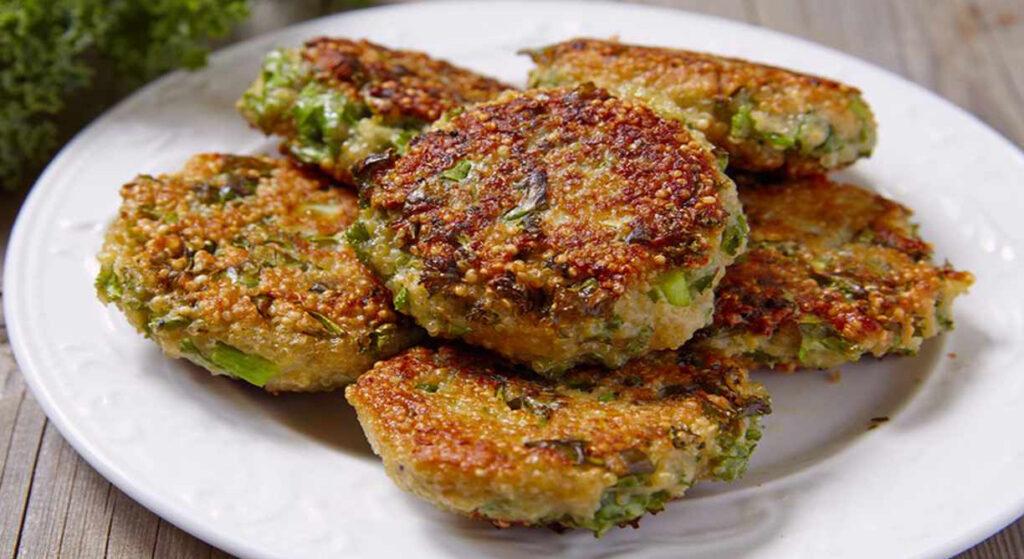 Nuggets di broccoli e formaggio al forno, deliziosi per grandi e piccini. Meno di 50 Kcal!