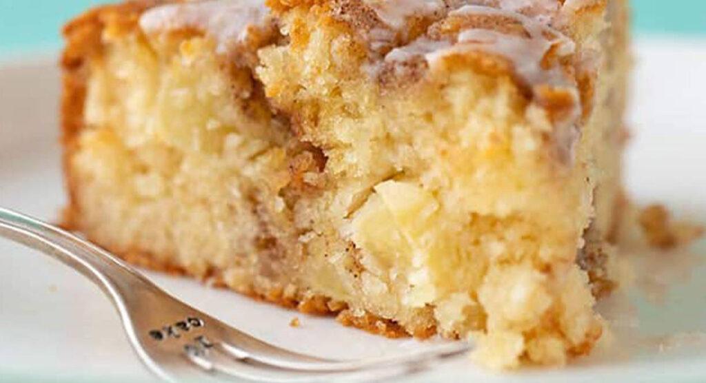 La torta cremosa di panettone e mele, facilissima e buonissima. Solo 150 Kcal!