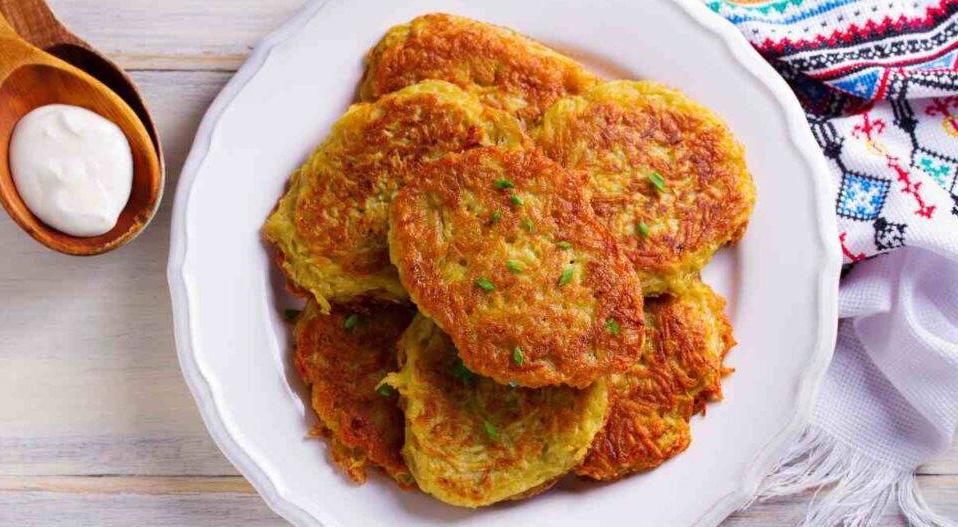 Le frittelle di zucca, pochissimi ingredienti e velocissime. Solo 70 calorie!