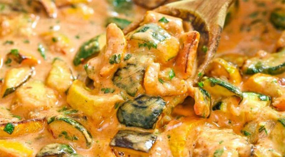 La salsa di zucchine cremosissima, buonissima per condire tutto quello che vuoi. Solo 150 Kcal!
