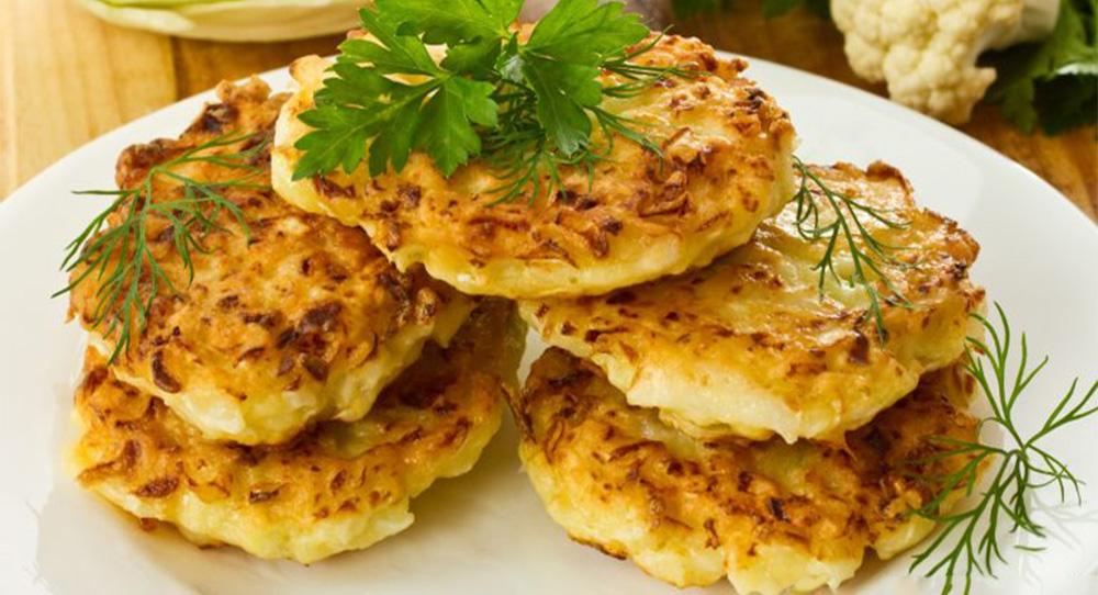 Pancake di cavolfiore, ottimo per una cena veloce e leggera. Solo 90 Kcal!