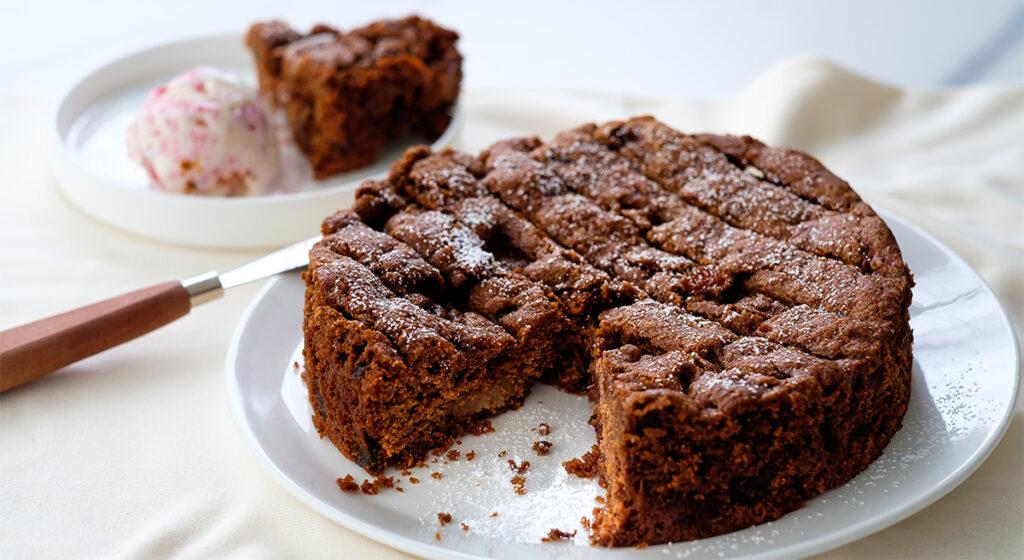 La torta 2 mele al cioccolato e ricotta senza latte né burro. Solo 170 Kcal!