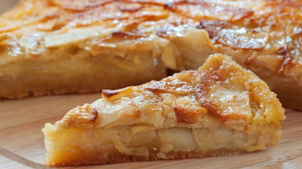 Torta di mele e marmellata di albicocche light, per fare il pieno di vitamina C. Solo 170 Kcal!