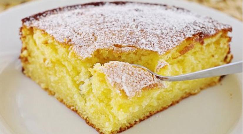 La torta senza uova e latte che si prepara in 5 minuti e ha solo 160 calorie!