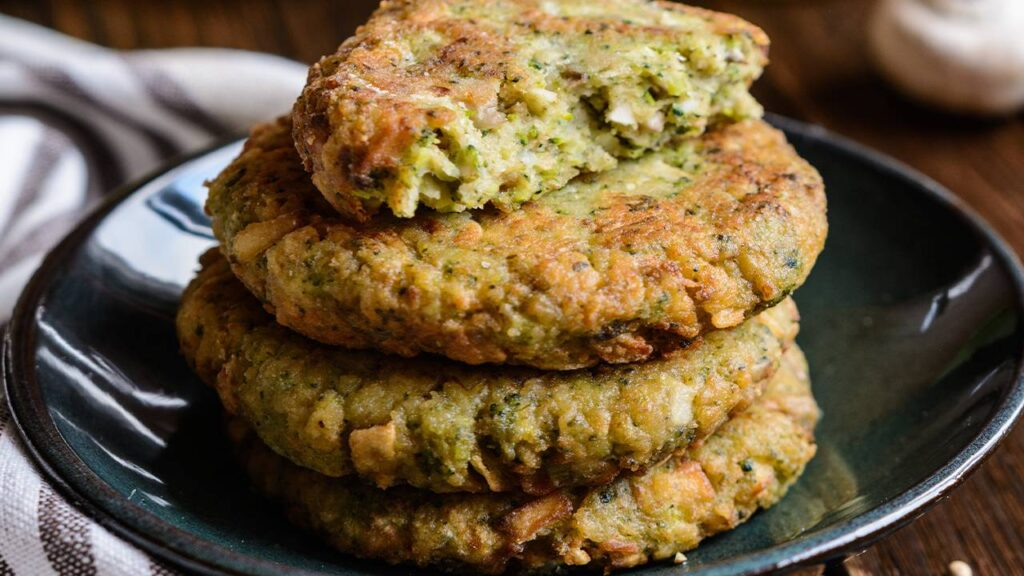 Burger di broccoli e patate, solo verdure e niente carne. Solo 170 Kcal!