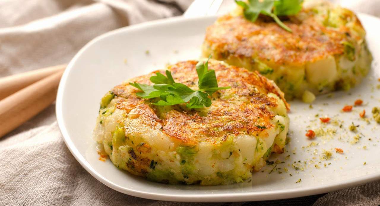 Cotolette di zucchine e patate al forno