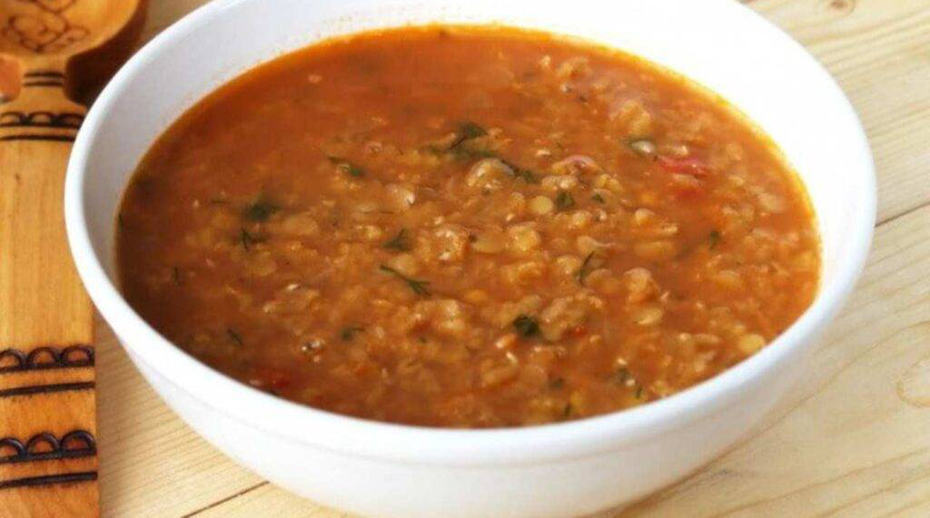 Zuppa di miglio e lenticchie, perfetta per perdere peso. Solo 290 Kcal!
