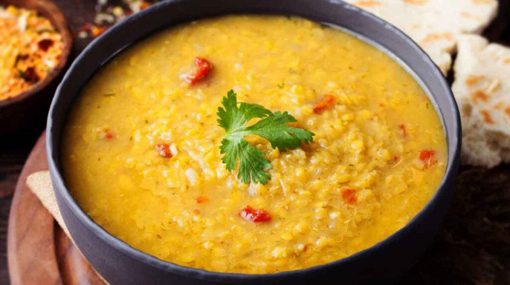 La zuppa indiana di lenticchie, buonissima e ricca di ingredienti benefici. Solo 260 Kcal!