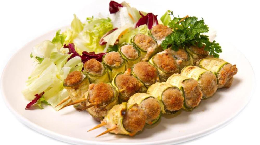 Spiedini di zucchine ripieni, la ricetta super dietetica e facile. Solo 120 Kcal!