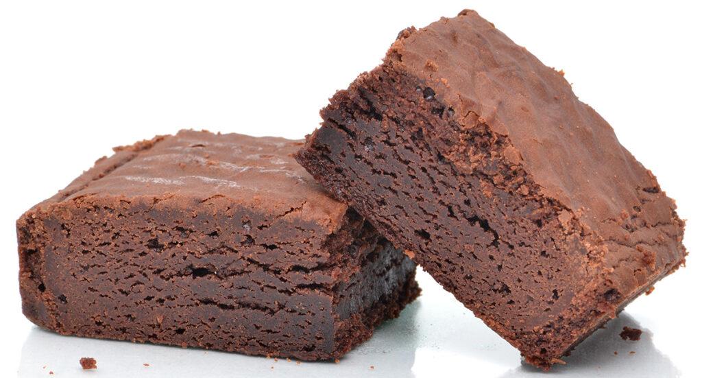 La torta al cioccolato light in 5 minuti che si cuoce al microonde. Solo 180 Kcal!