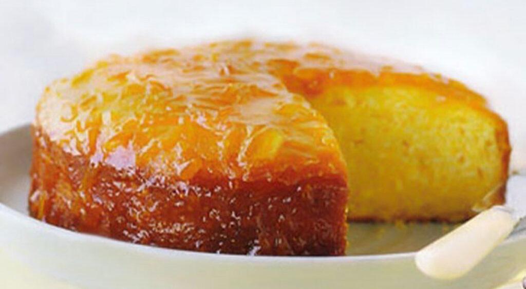 La torta sofficissima di arancia e limone, perfetta per la dieta e ricca di vitamina C. Solo 150 Kcal!