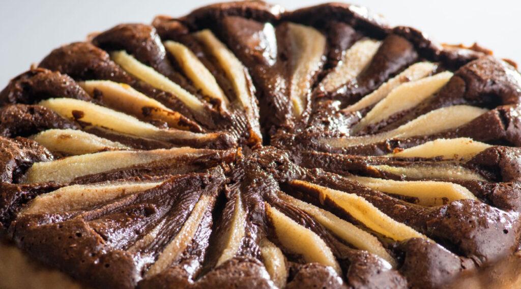 Torta tenerina al cioccolato e pere senza burro, morbidissima e buona. Solo 160 Kcal!