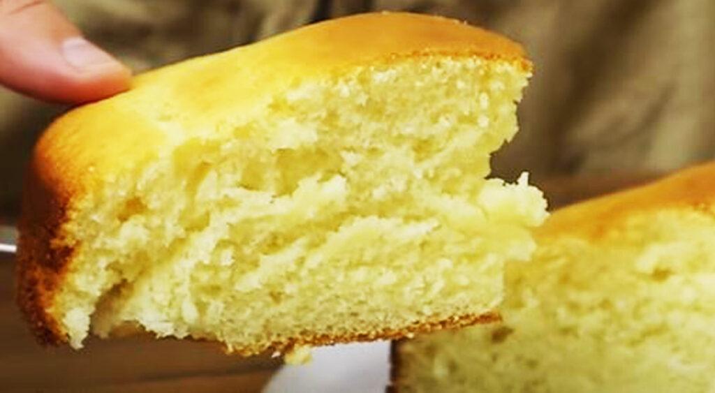 Torta al latte in 1 minuto SENZA burro, sofficissima e deliziosa. Ha solo 170 Kcal!