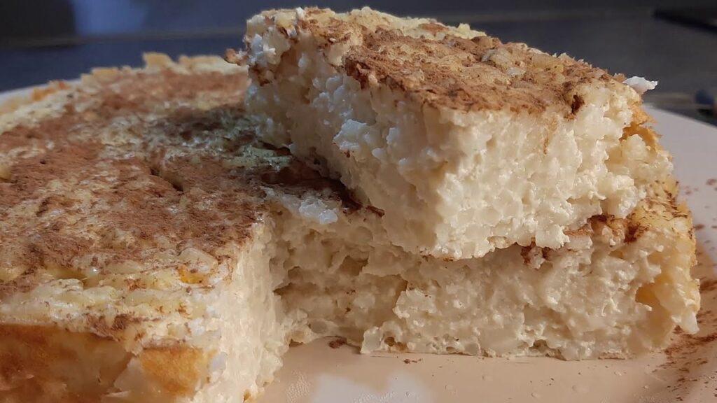 La torta di riso light morbidissima, la ricetta facile e veloce. Ha solo 140 Kcal!
